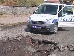 Polis otosu çukura düştü