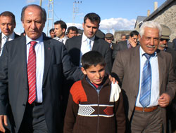 Vali Halefoğlu Köyü'nde