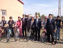 Sağlık Müdürlüğü bisiklet dağıttı