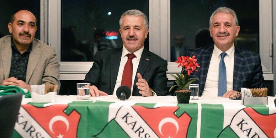 Bakan Arslan'dan Kars 36 Spor'a Destek Ziyareti