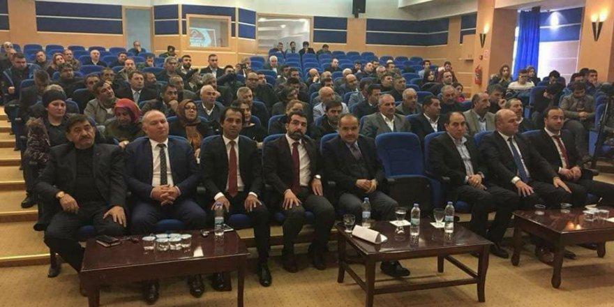 Kars'ta 'AK Parti Siyaset Akademisi' start aldı