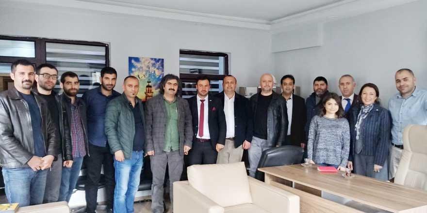 İYİ Parti Kars'ın Fırsatları ve Tehditlerini Araştırıyor