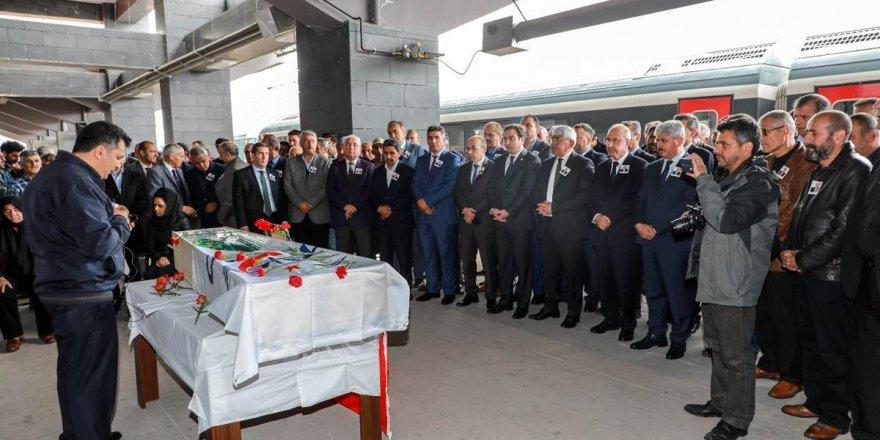 Kars Gar Müdürü Metin Ruşen Tutaz, son yolculuğuna uğurlandı