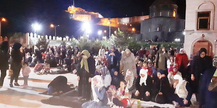Evliya Camisi yine tarihi gecelerinden birini yaşadı