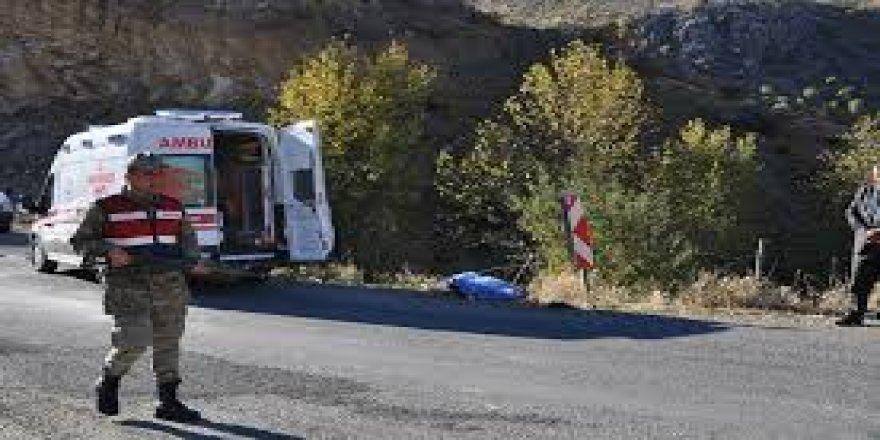 Kars'ta minibüsün çarptığı yaya hayatını kaybetti