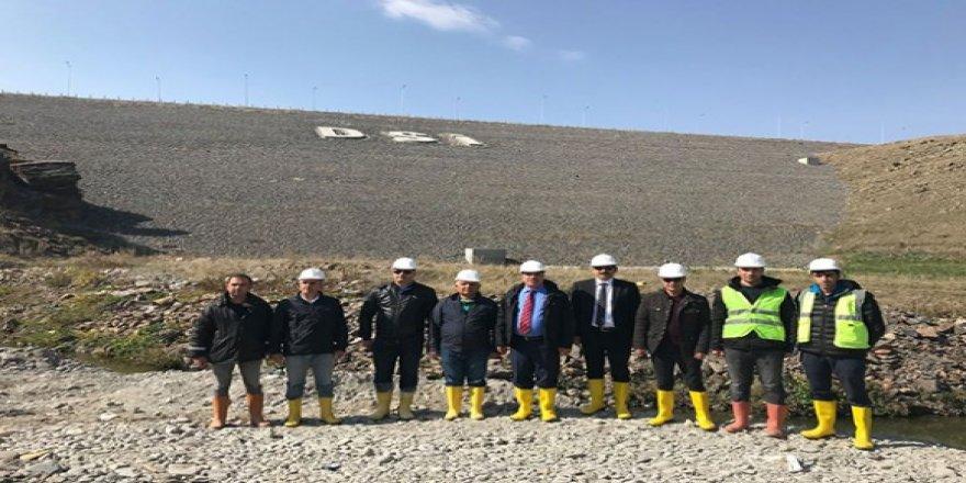 Kars Barajı inşaatındaki devam eden çalışmalar incelendi