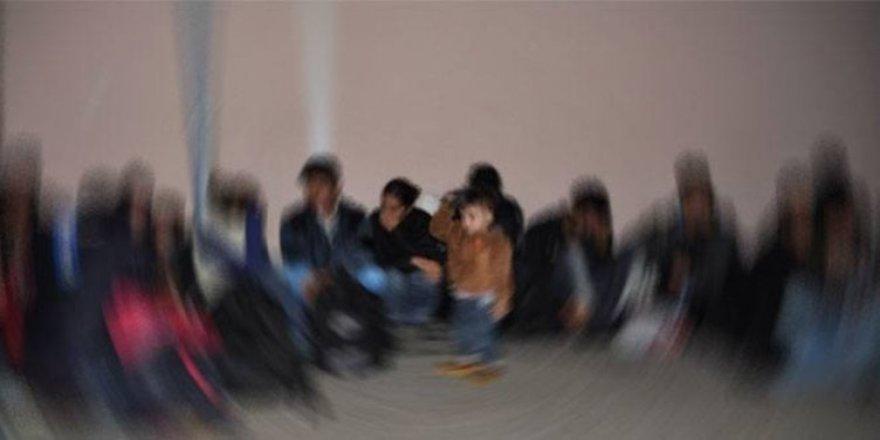 Kars'ta 14 kaçak göçmen yakalandı