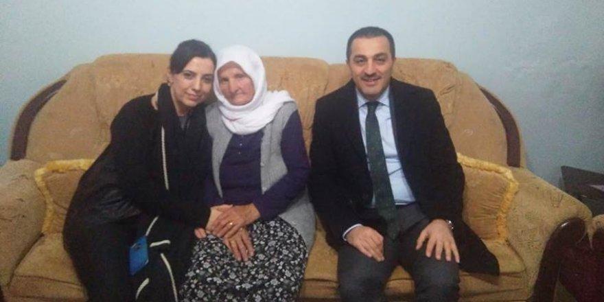 Vali Türker Öksüz ve Eşi Şehit Ailesini Ziyaret Etti