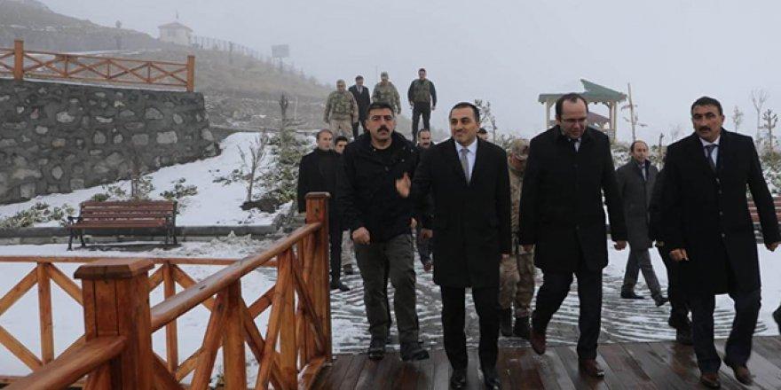 Kars Valisi Türker Öksüz Susuz'da incelemelerde bulundu