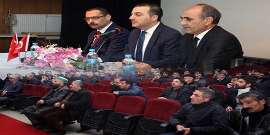 Kars Valisi Türker Öksüz, Taşıma ve Servis Şoförleri ile bir araya geldi