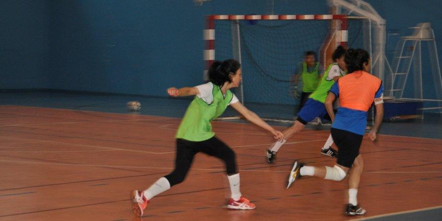 Sarıkamış BESYO'da Futsal heyecanı başladı