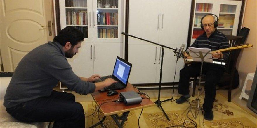 Salih Şahin Kars Manilerini TRT'de tanıttı