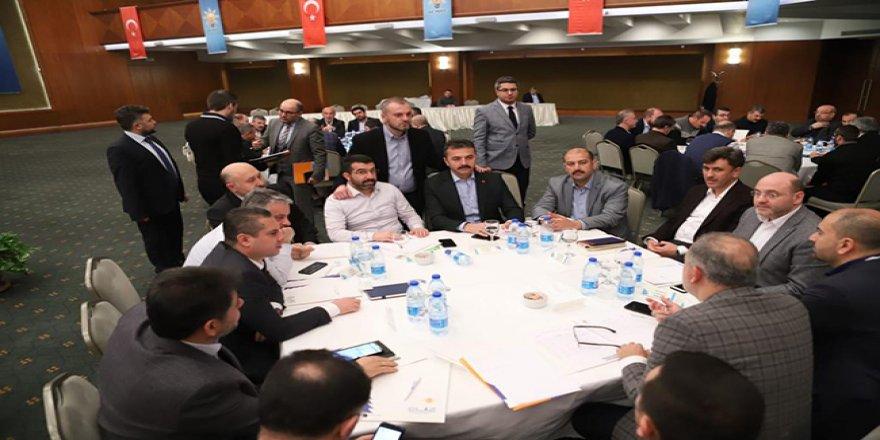 Çalkın, AK Parti İl Başkanları Çalışma Kampında