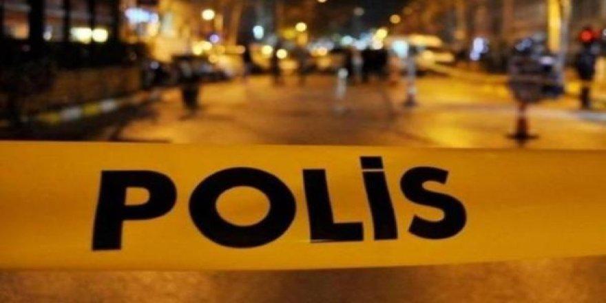 Kars'ta liseli kız evinde ölü bulundu