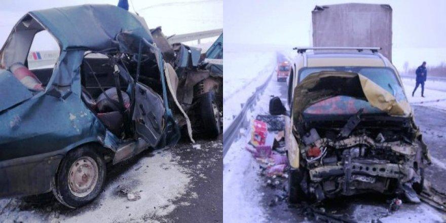 Kars'ta trafik kazası: 1 ölü, 1 ağır 3 yaralı