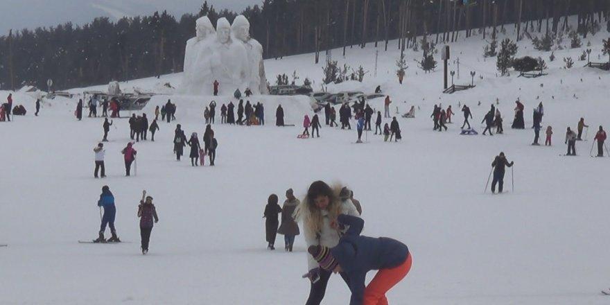 Sömestr Tatilinin Son Haftasında Sarıkamış Cıbıltepe Kayak Merkezine Yabancı İlgisi