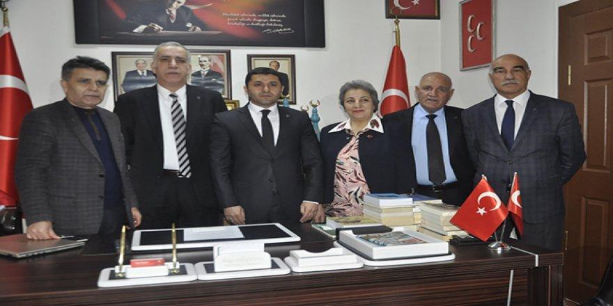 Kars'ta MHP'den ihraç edilen Belediye Meclis Üyeleri geri alındı