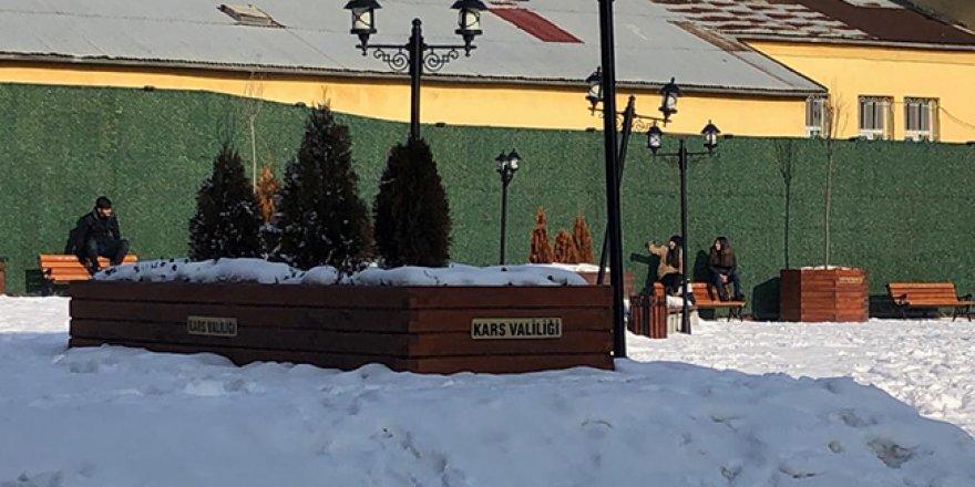 Kars'ta vatandaşlar yetkilileri göreve davet etti