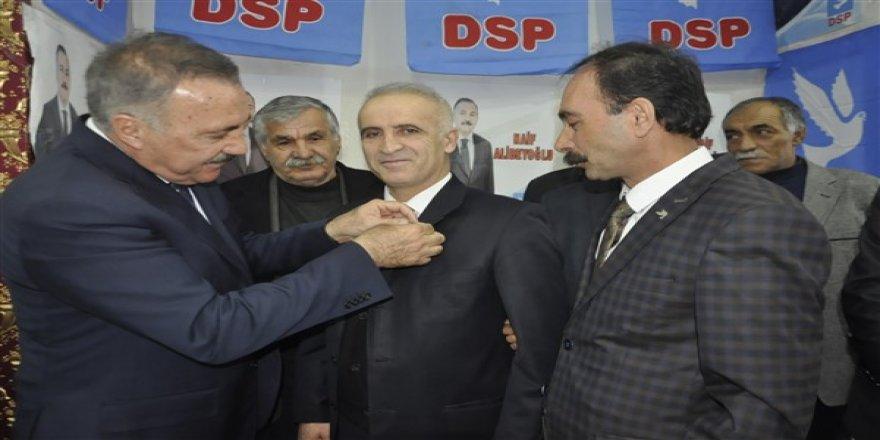 Naif Alibeyoğlu'na katılımlar artarak devam ediyor