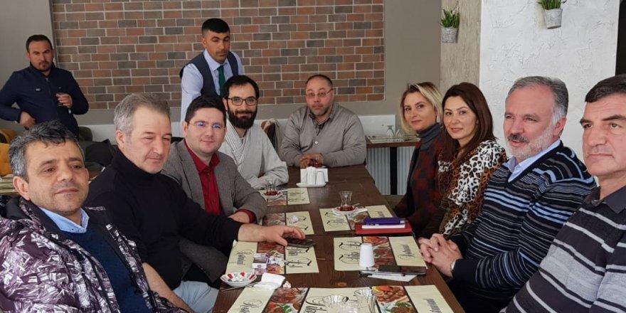 HDP Belediye Eşbaşkan adayları basın mensupları ile bir araya geldi