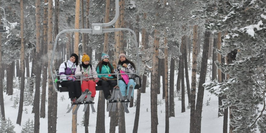 Cıbıltepe'de kayak keyfi