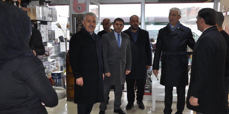 Kars'ta AK Parti Milletvekillerinin Cumhur İttifakı adayına destek çalışmaları sürdürüyor