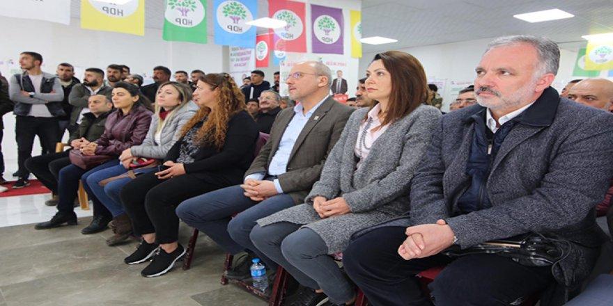 Ahmet Şık'tan HDP'nin Kars adaylarına destek