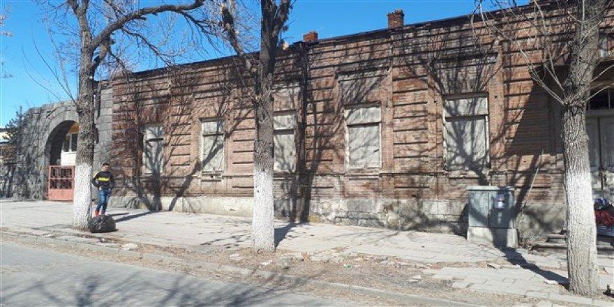 Kaderine terk edilmiş tarihi bina millet kütüphanesi olacak
