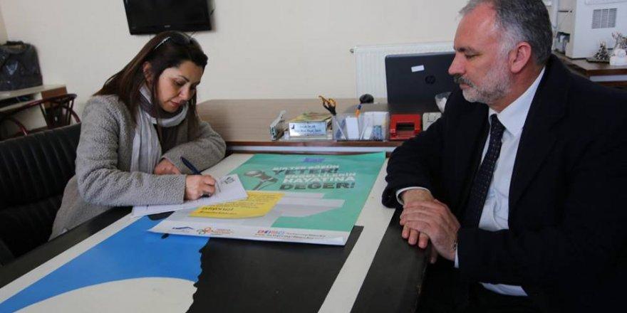 """HDP'nin Kars adayları TEMA'nın """"Doğa Dostu Belediye Başkanı Taahhütnamesini"""" imzaladı"""