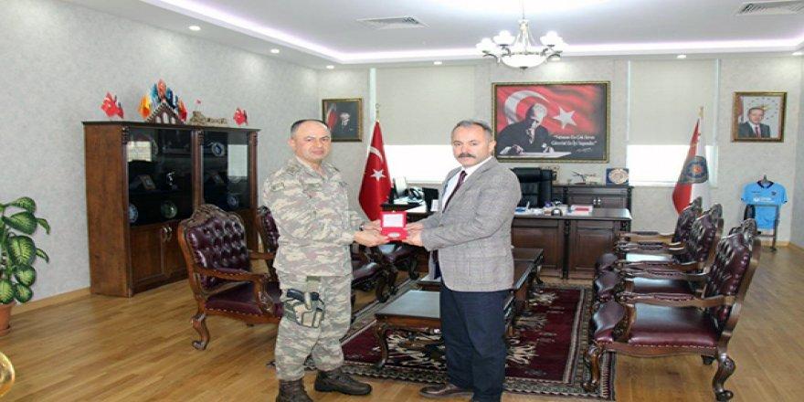 Tuğgeneral Özgür Nuhut, İl Emniyet Müdürlüğünü ziyaret etti