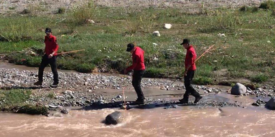 Sarıkamış'ta kayıp 3 yaşındaki Nurcan'ı arama çalışmalarına devam ediliyor