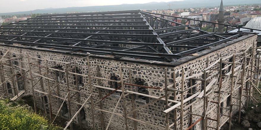 Kars Beylerbeyi Sarayı'nın restorasyonu sürüyor