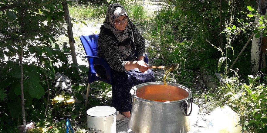 Karslı kadınların kış hazırlığı başladı