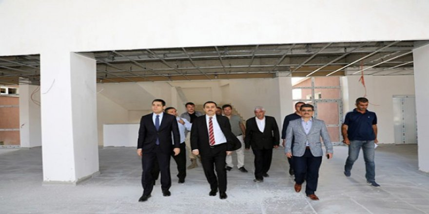 Vali Türker Öksüz, inşaat ve tadilat çalışmalarını inceledi