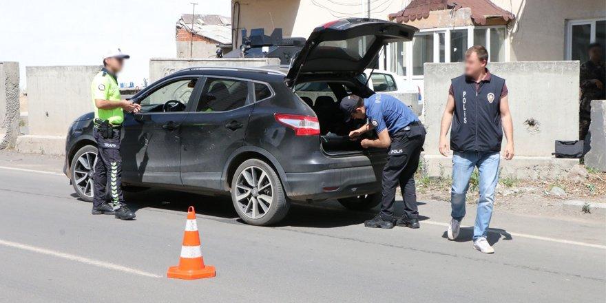 Kars'ta bin polisle huzur uygulaması