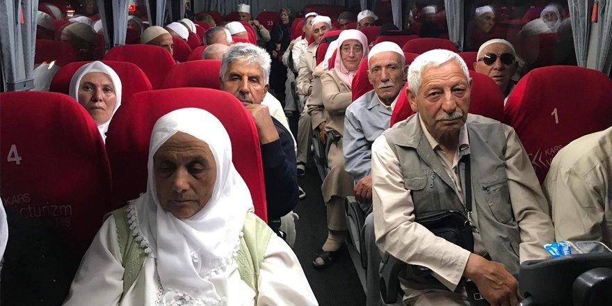 Hacı adayları Sarıkamış'tan yola çıktı