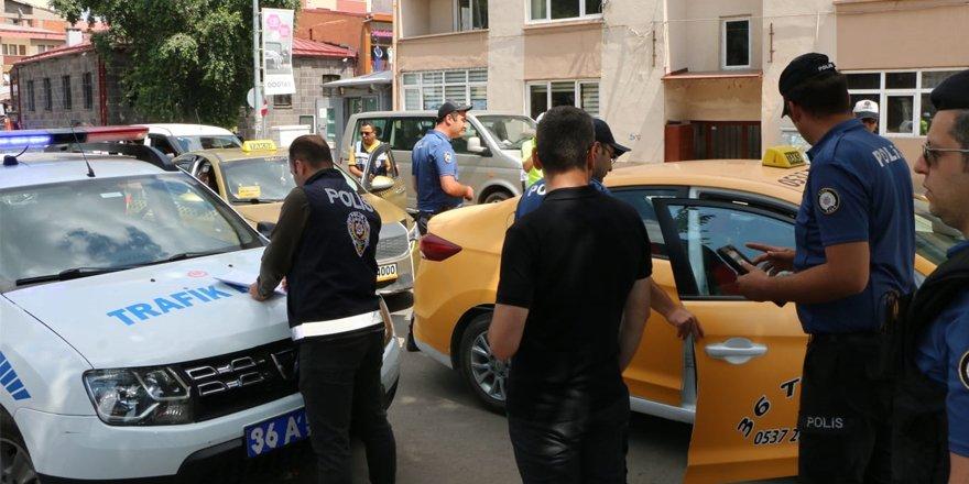 Kars Emniyetinden Taksi uygulaması