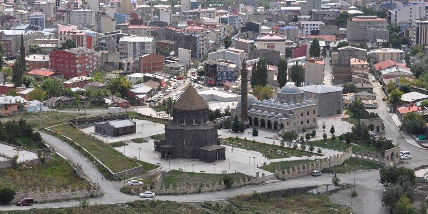 Kars'ta 5 mülki idare amirinin görev yeri değişti