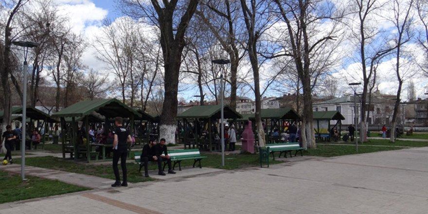 Kars Atatürk Çay Bahçesi kiraya veriliyor