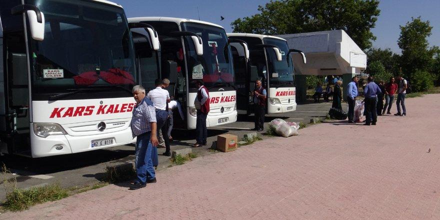 Kars Şehirlerarası Otobüs Terminalinde bayram dönüşü yoğunluğu