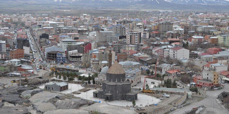 Kars'ta turizm sektörüne, 'davranışlar' konulu seminer verilecek