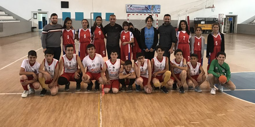 Hentbol'da Cevriye Tatış Ortaokulu il birincisi