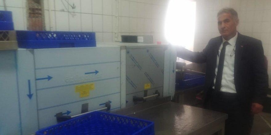 Susuz 75. Yıl İncesu Köyü İMKB Yatılı Bölge Ortaokulu'na sanayi tipi bulaşık makinesi hediye ettiler