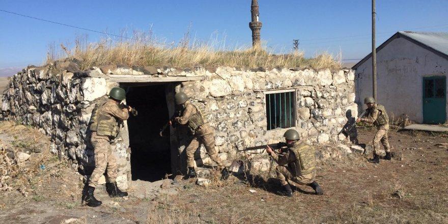 Kars'ta 354 jandarmanın katılımıyla uygulama yapıldı