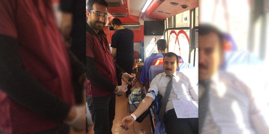 Sarıkamış'ta Kızılay'a kan bağışı yapıldı