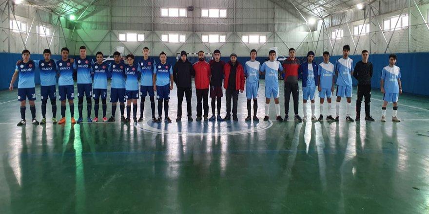 Kars'ta futsal müsabakaları başladı