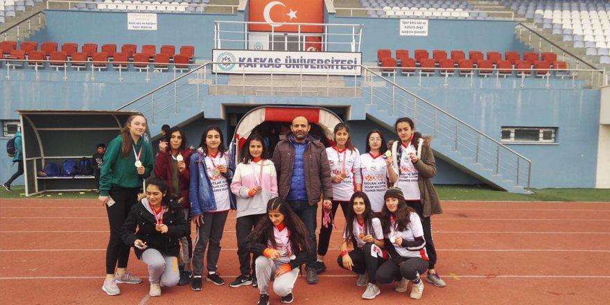 Kars'ta atletizm yarışması sona erdi