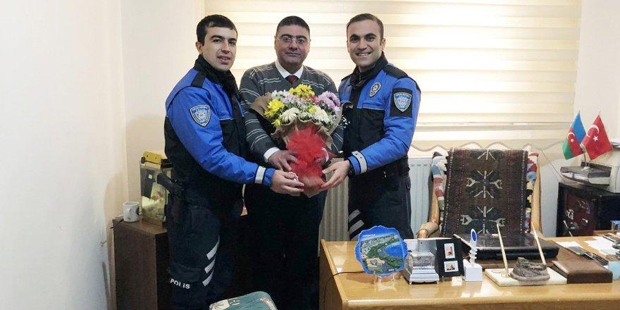 Kars'ta, Toplum Destekli Polisler Çalışan Gazeteciler Gününü kutladı