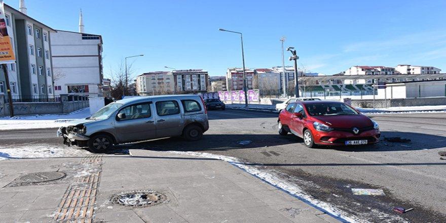 Kars'ta trafik kazası!
