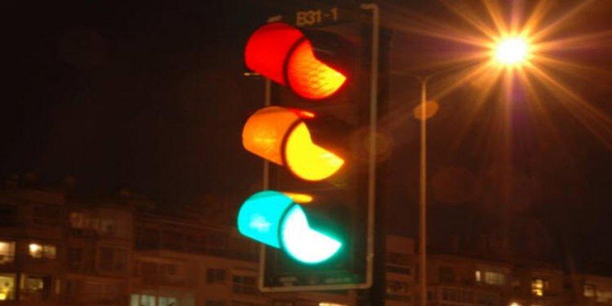Bizmar önündeki trafik ışıkları yeniden faaliyete geçirilmeli